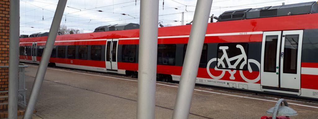 Erste umgebaute Triebwagen für das Netz Elbe-Spree u.a. zwischen Senftenberg und Eberswalde im Einsatz